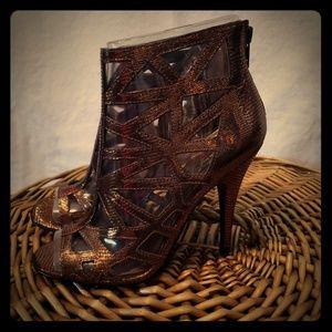 Aldo size 37 copper/bronze gladiator heel